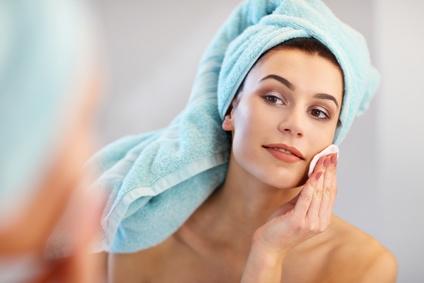 Le nettoyage en profondeur de la peau : une étape cruciale de la routine beauté!